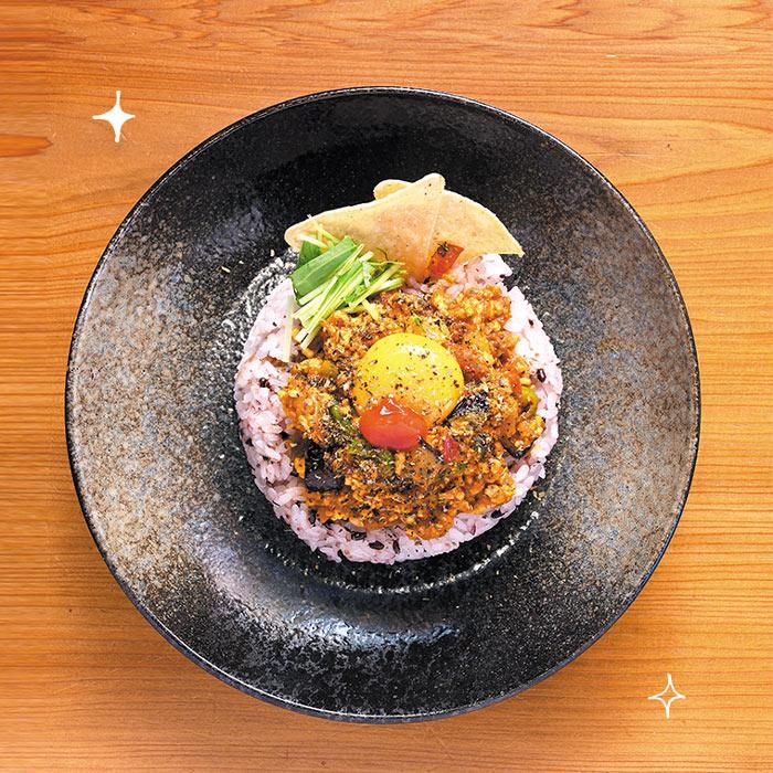 夏野菜の鶏ミンチ 梅バジルキーマ